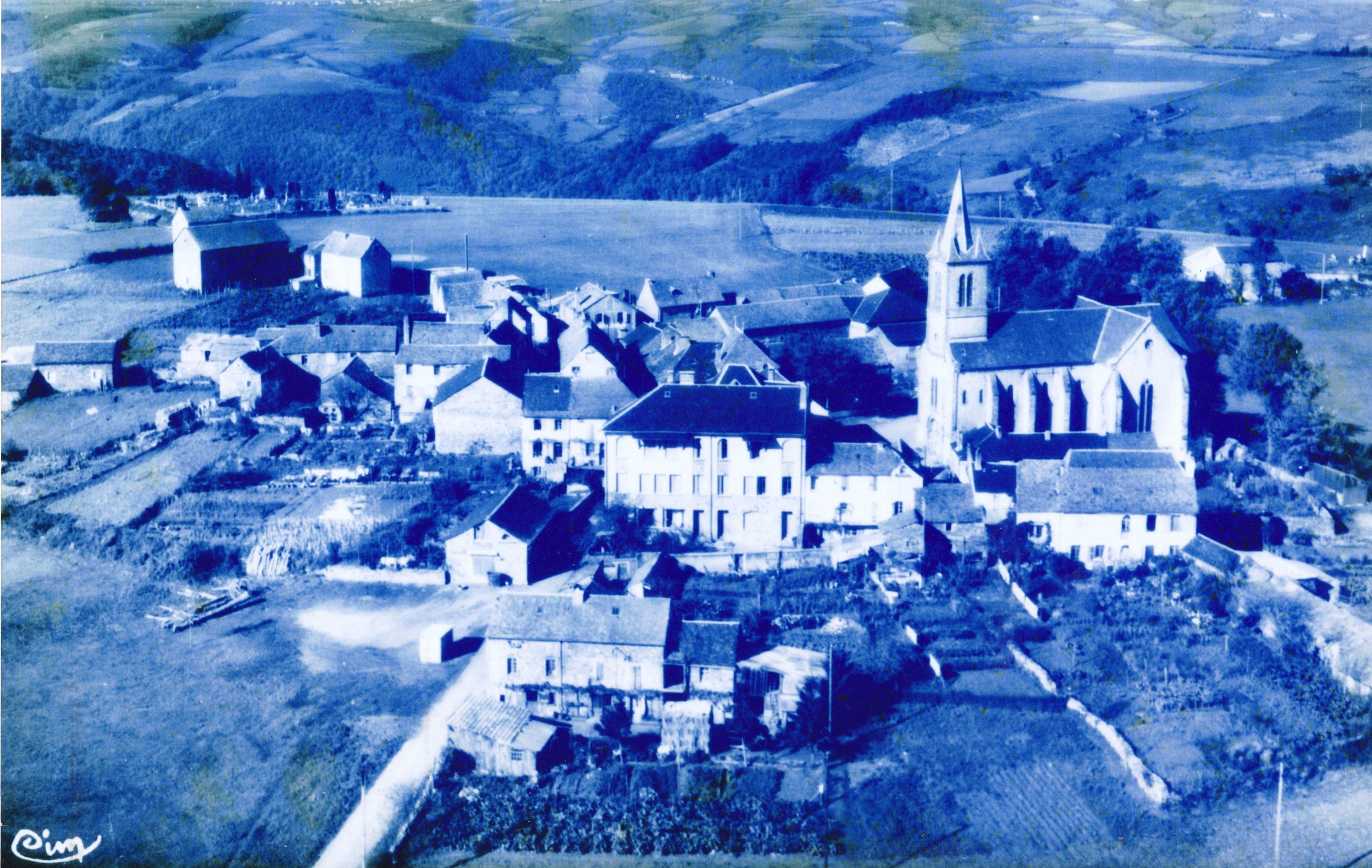 Vue aérienne du village de Brasc