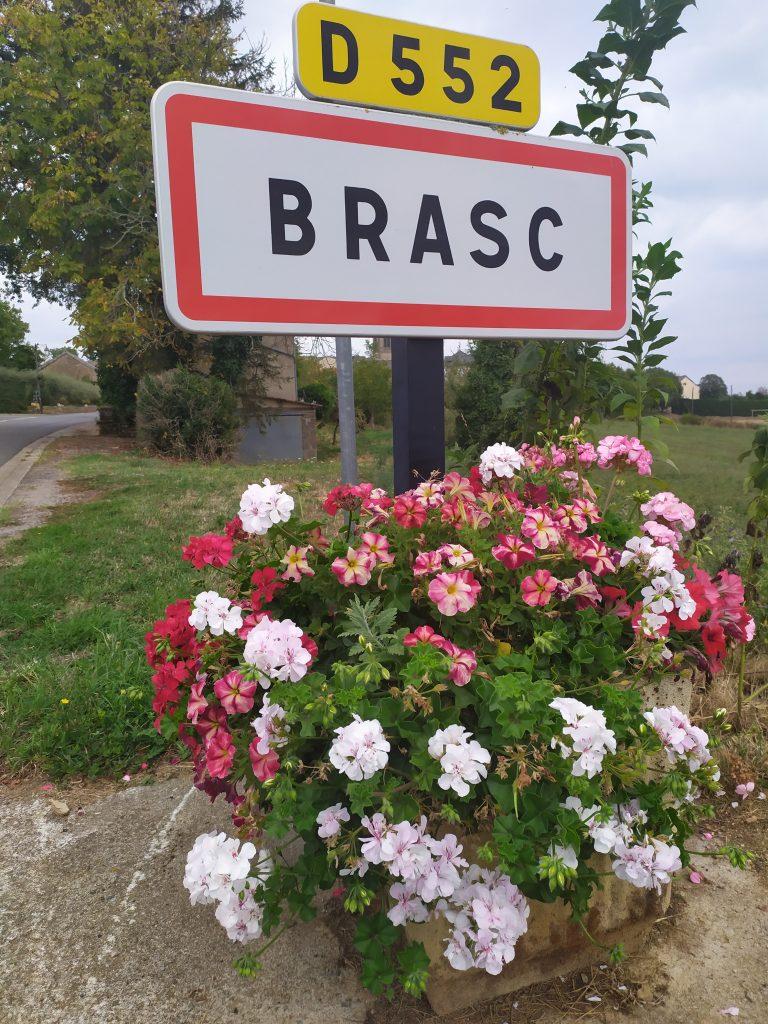 Entrée village de Brasc
